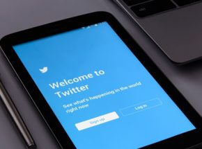 Public sector influencers to follow on twitter